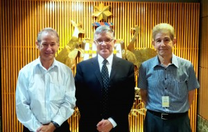 Professor Gary Russ in the Philippines with Australia's Ambassador, Bill Tweddell and marine biologist Jay Maclean.